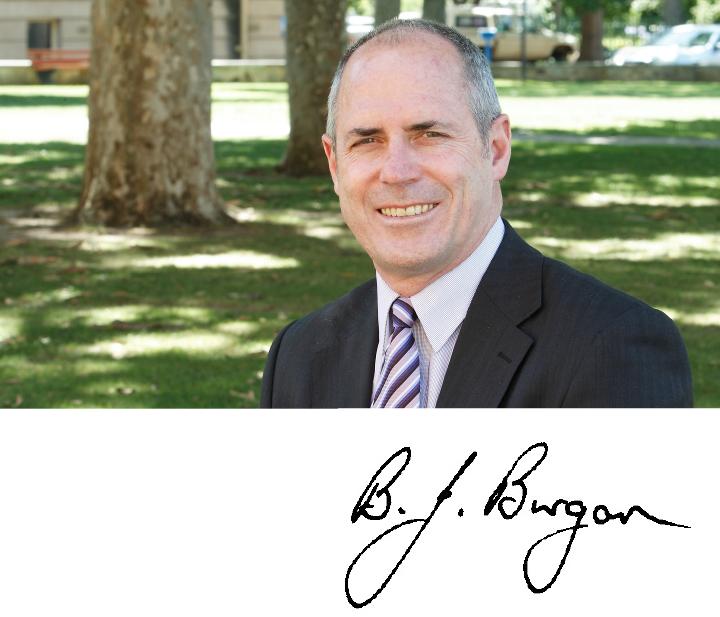 Professor Barry Burgan(BOND大学 BOND-BBT MBAプログラム ディレクター)